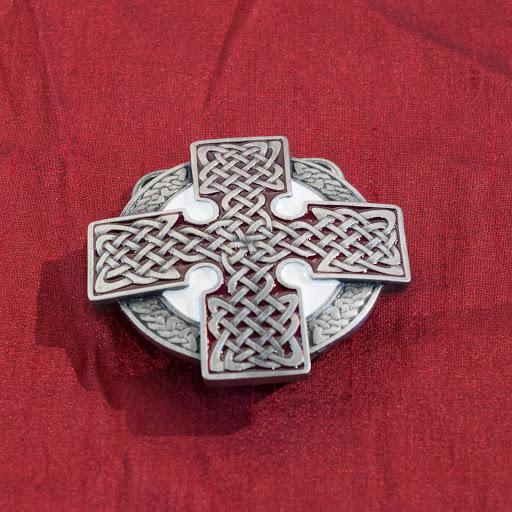 735bd068bbad Boucle de ceinture   Croix Celtique à entrelacs (blanche et noire ...