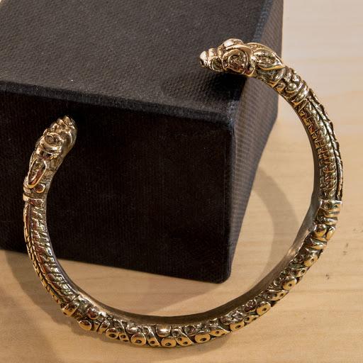 bracelet viking femme. Black Bedroom Furniture Sets. Home Design Ideas