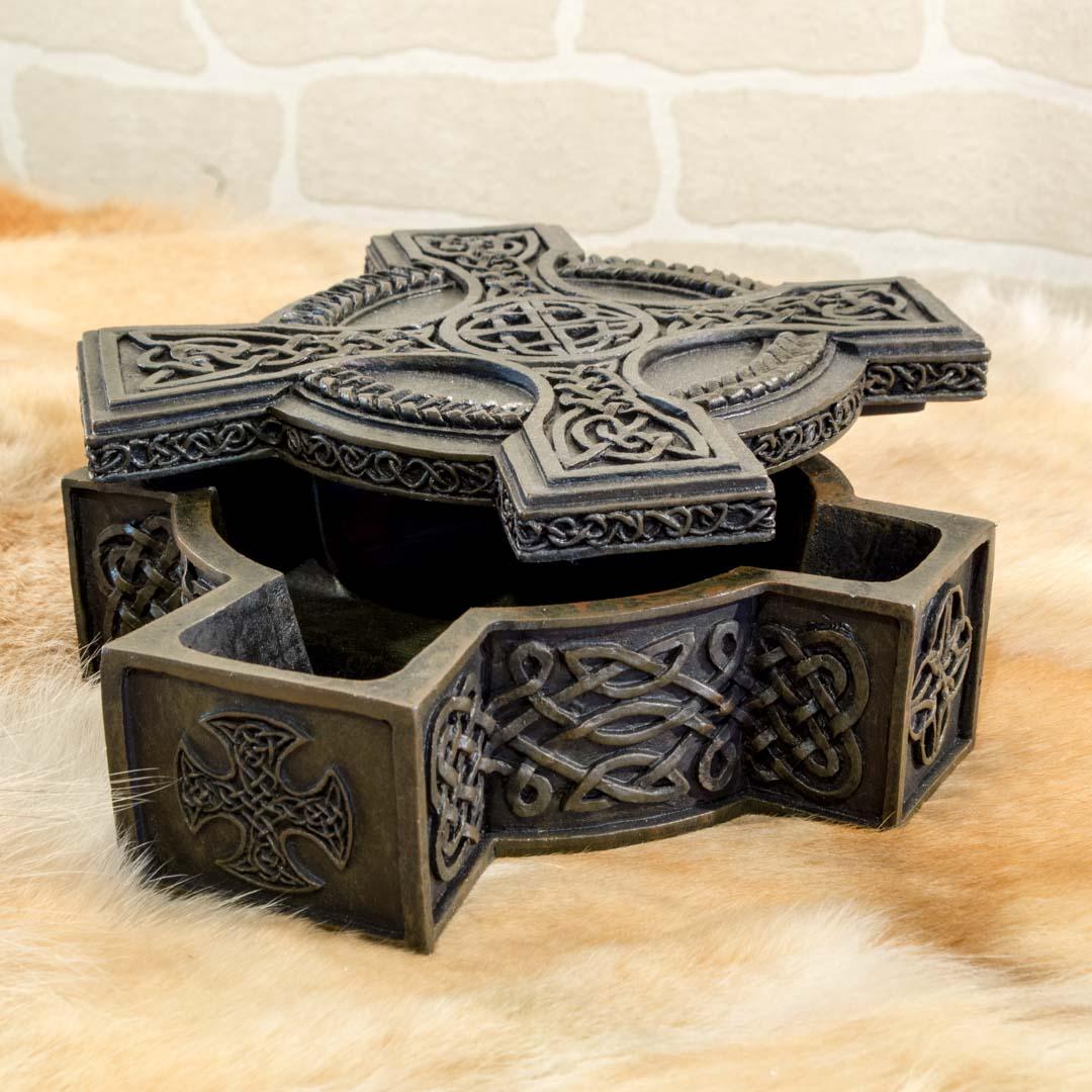 bo te croix celtique entrelacs terres celtiques. Black Bedroom Furniture Sets. Home Design Ideas