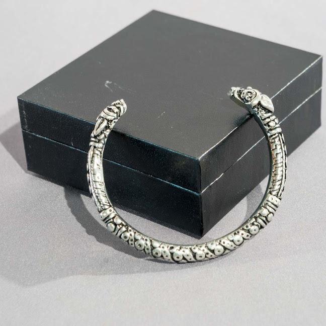 bracelet viking fin etain terres celtiques. Black Bedroom Furniture Sets. Home Design Ideas
